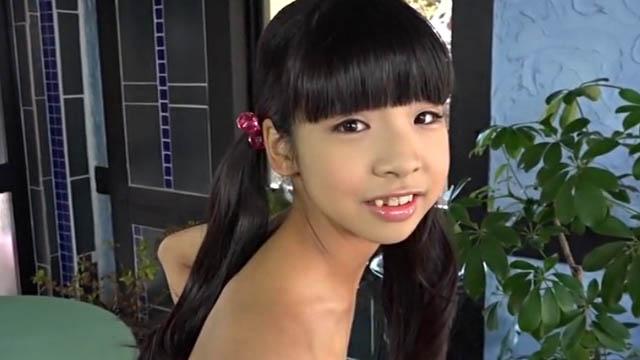 微笑むU15JCジュニアアイドル中西未歩ちゃん