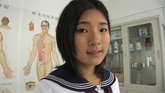 セーラー服姿のU15JCジュニアアイドル長澤愛奈ちゃん