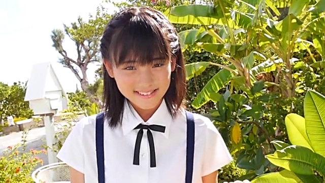 制服姿で微笑むU15JCジュニアアイドル東亜咲花ちゃん