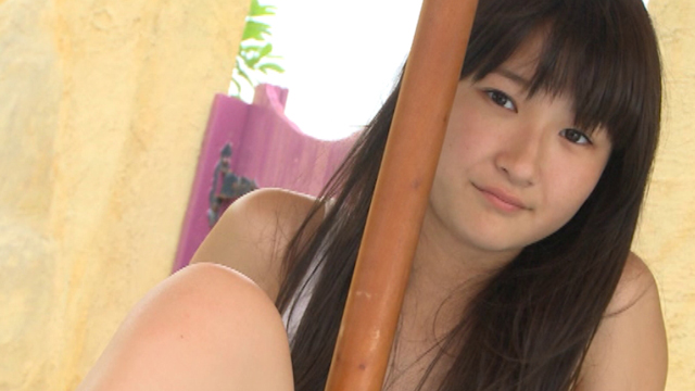 こちらを見つめるU15JCジュニアアイドル近藤あさみちゃん